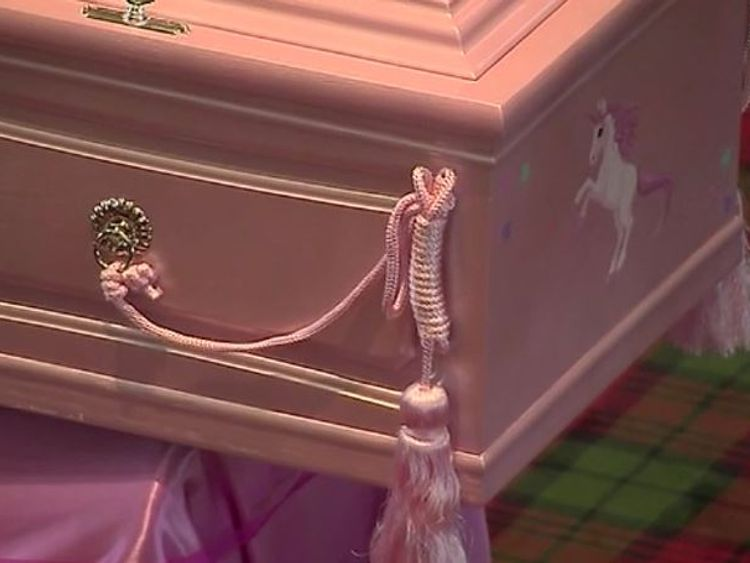 Alesha's coffin was embellished with a picture of a unicorn