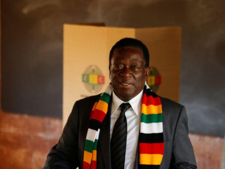 President Mnangagwa cast his vote at a school in in Kwekwe