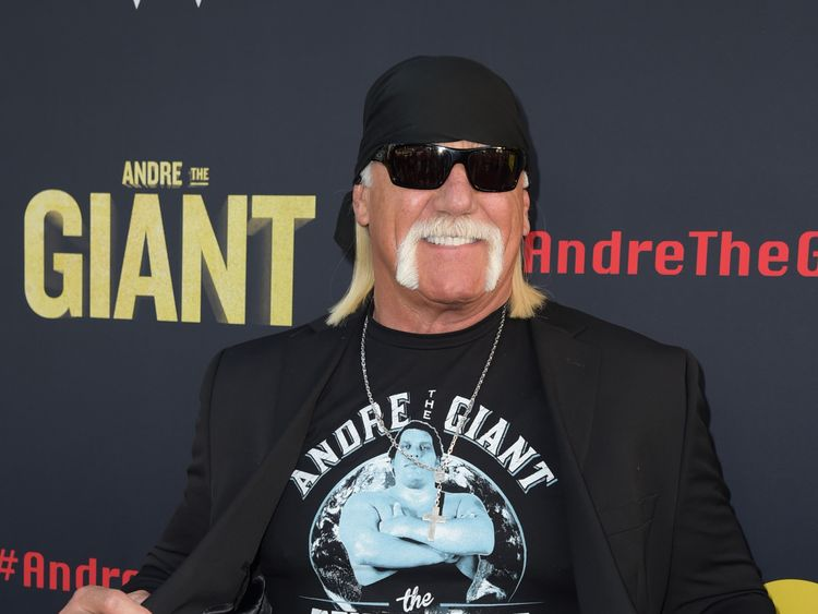 WWE puts Hulk Hogan back in hall of fame