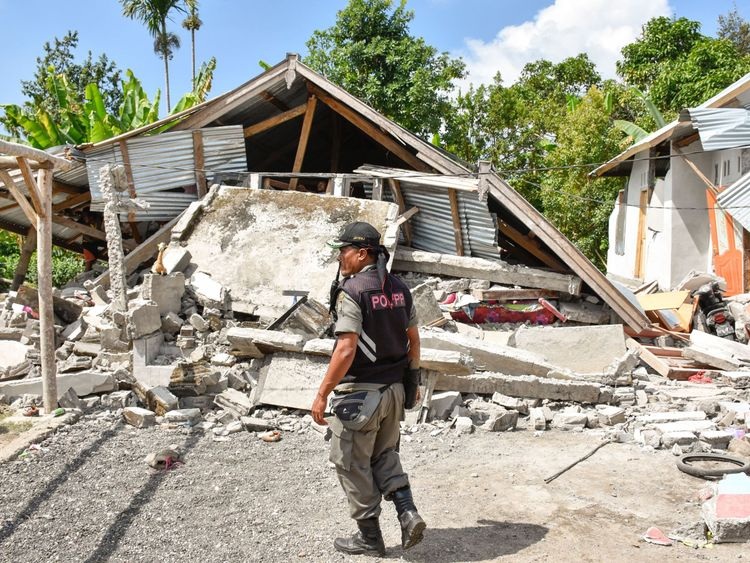 The quake destroyed many buildings on the island