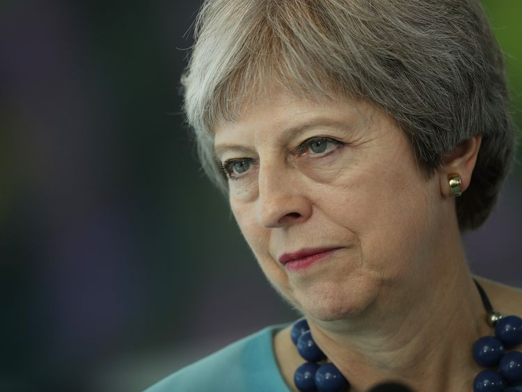 May heads to Irish border to remould Brexit deal
