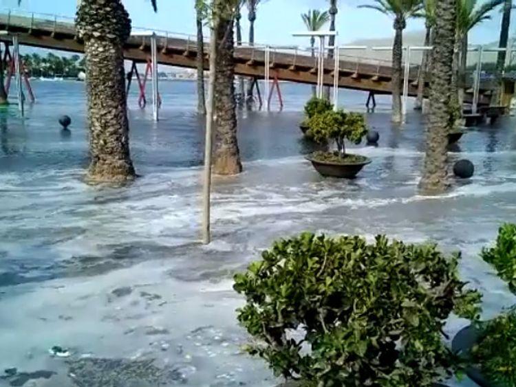 Mini tsunami in Mallorca. Pic: Virales Mallorca