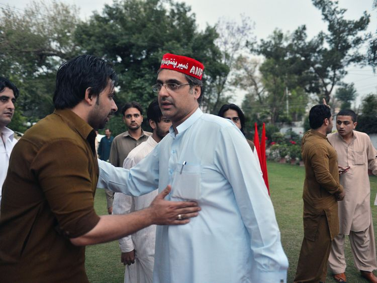 Haroon Ahmed Bilour (R) was killed in the blast