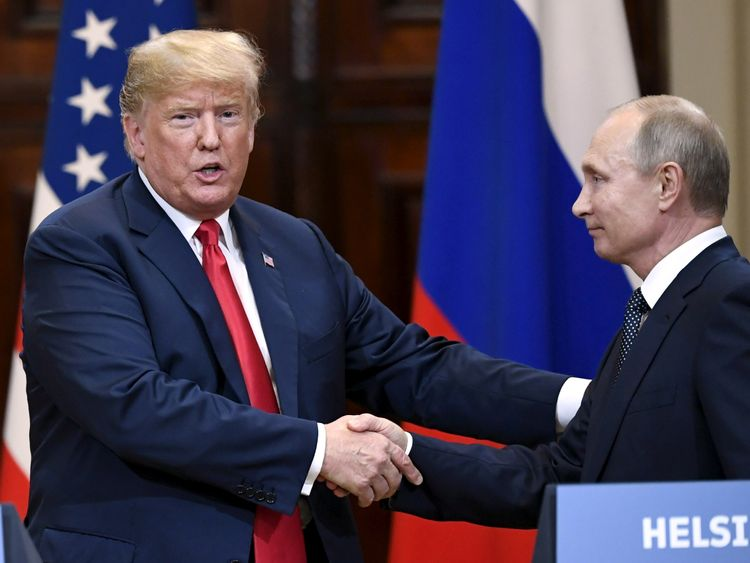 Trump faces bipartisan rebuke over 'treasonous' summit with Putin