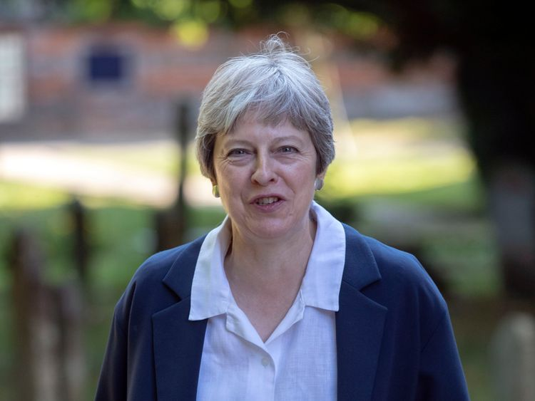 Bitter Tory Brexit battle in critical week for PM