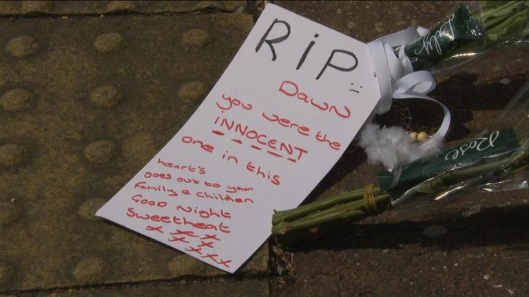 The note left by locals on Monday after her death was confirmed