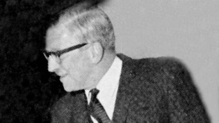 Dr Kenneth Milner