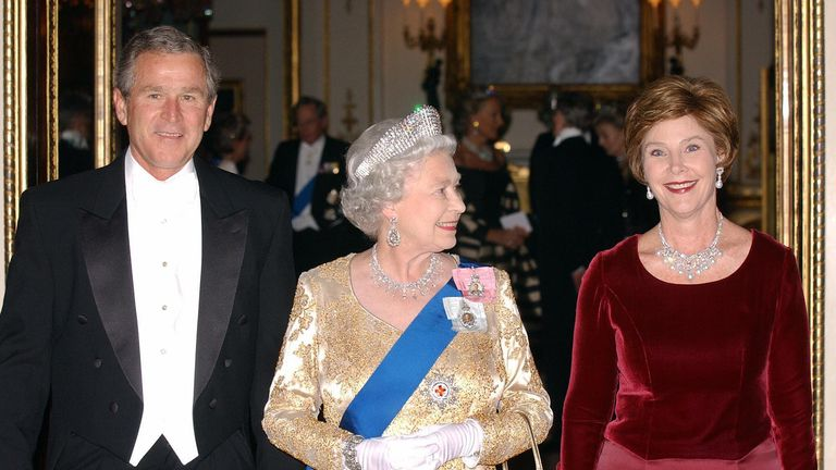 The Queen hosted a state banquet for George W Bush in November 2003
