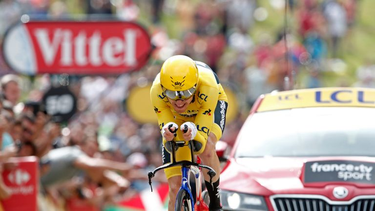 Thomas held on to the leader's yellow jersey after Saturday's stage