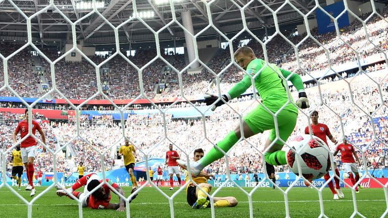 SAINT PETERSBURG, RUSSIA - JULY 14: Thomas Meunier of Belgium scores his team's first goal past Jordan Pickford of England during the 2018 FIFA World Cup Russia 3rd Place Playoff match between Belgium and England at Saint Petersburg Stadium on July 14, 2018 in Saint Petersburg, Russia. (Photo by Dan Mullan/Getty Images)