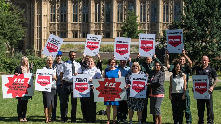 Public sector workers have campaigned for an end to the pay cap