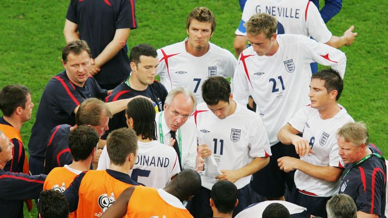 Sven Goran Eriksson rallies his England troops in 2006
