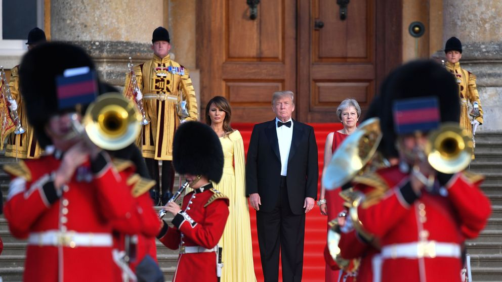 US President Donald Trump and US First Lady Melania Trump stand with Prime Minister Theresa May