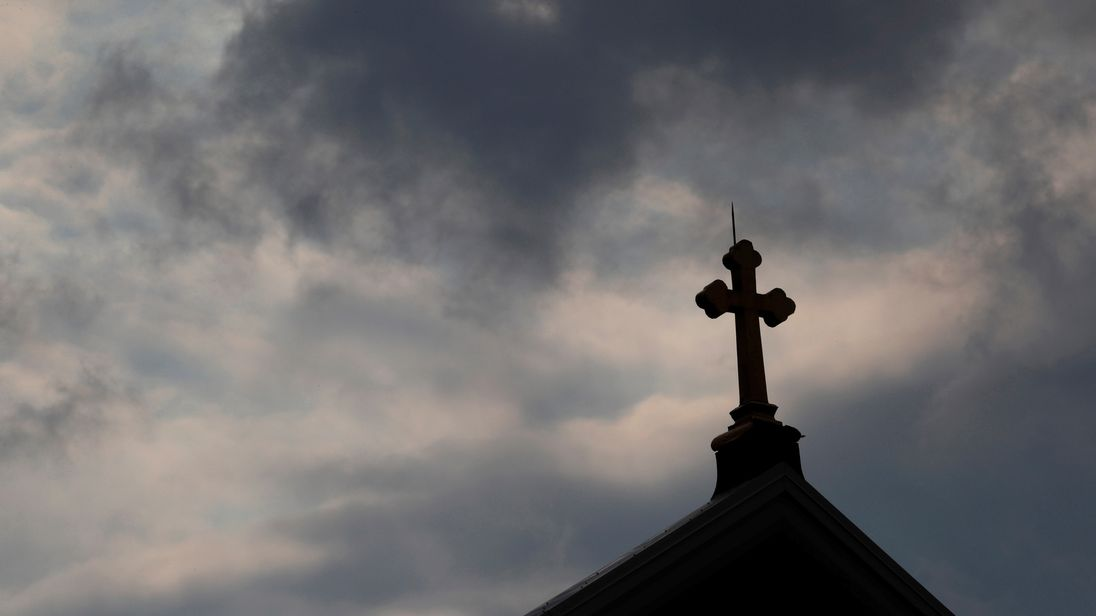 U.S. report lists more than 300 'predator' priests