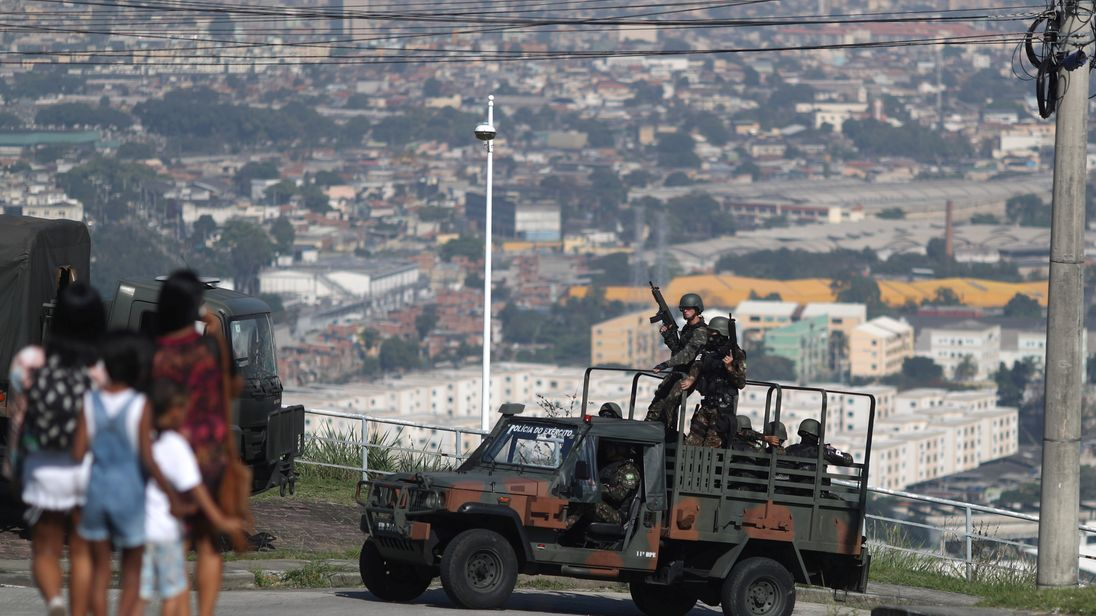 Brazilian soldiers who patrol during an operation against drug dealers in the Alemao complex slum in Rio de Janeiro, Brazil August 20, 2018. REUTERS/Ricardo Moraes