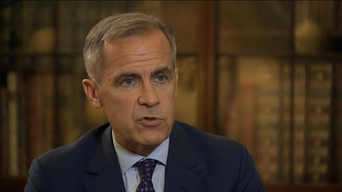 Mark Carney agrees to stay at Bank of England until January 2020