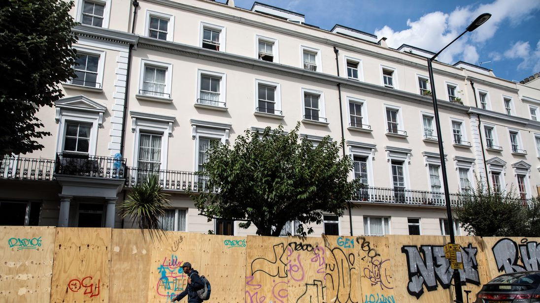 Notting hill carnival homes and shops boarded up over for House notting hill