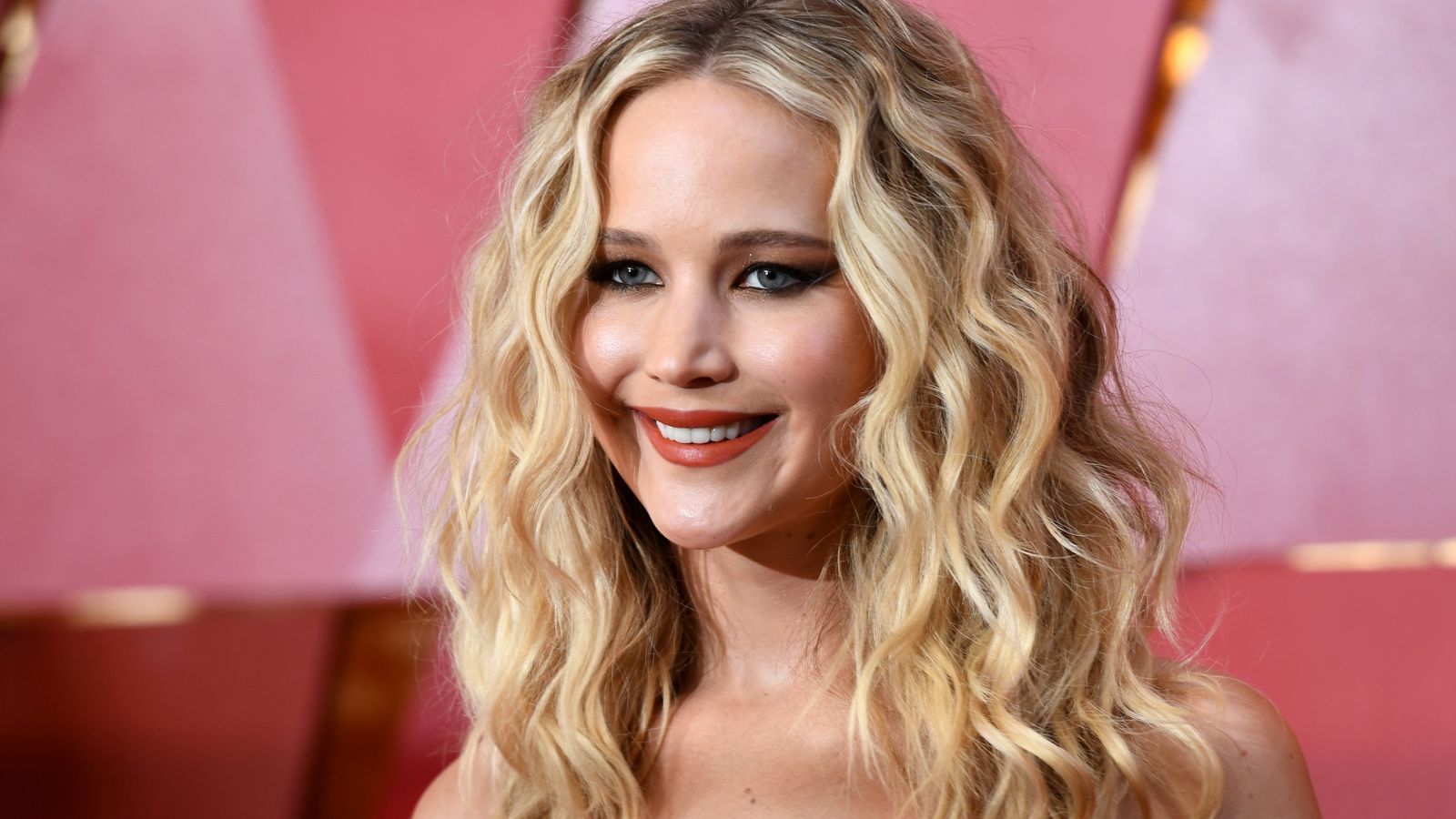 Fox Bulletin   Discuss: Jennifer Lawrence: Pregnant with First Child!