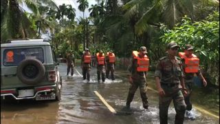 Soldiers in Kerala have been helping flood victims