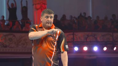 WM Darts: Wright v Suljovic