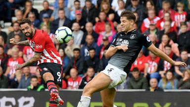Hughton: Ings a difficult opponent