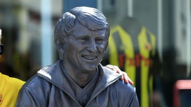 Watford unveil Graham Taylor statue