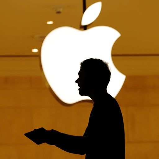 Teenager admits hacking Apple