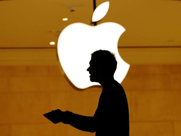 Wall Street shares tumble after Apple warning