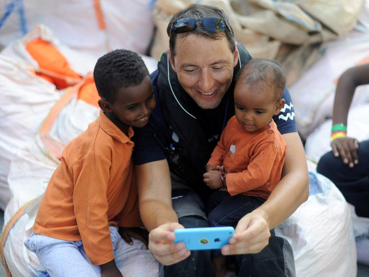 Five EU countries agree to take in rescue ship migrants