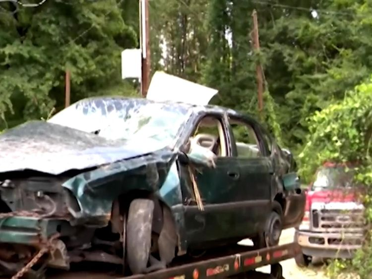Toddlers survive alone for days after auto wreck kills mother