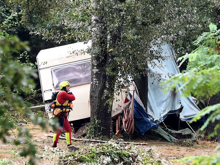 French flooding: German missing after hundreds evacuated from campsites