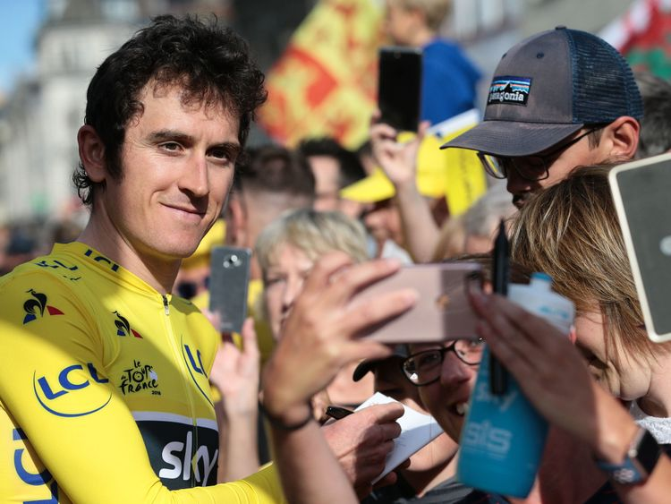 Geraint Thomas posed for pictures with fans in Cardiff