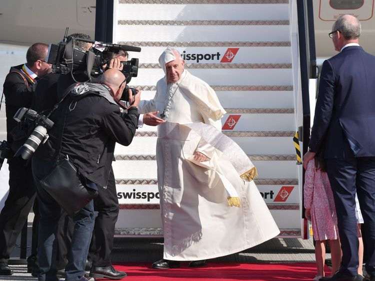 It was a windy start as the Pope stepped on to the tarmac at Dublin Airport