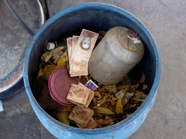 100 Bolivar notes have been seen in a bin at a petrol station