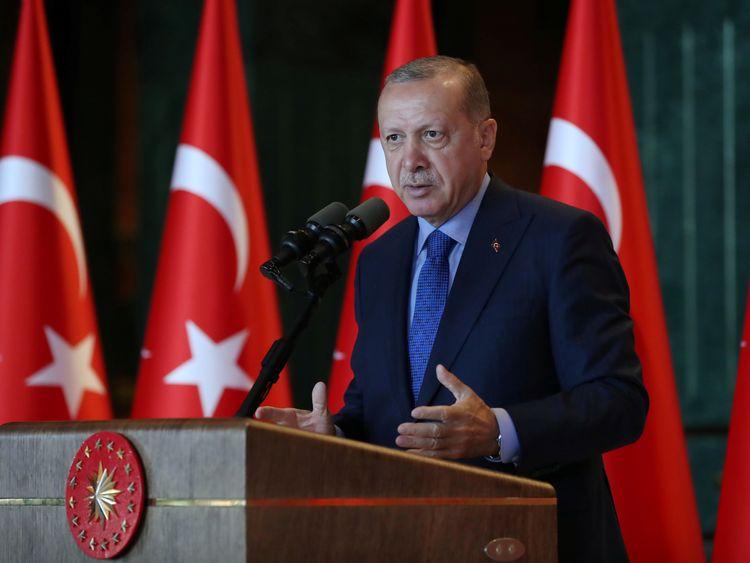 Turkey to boycott US electronics - including iPhone