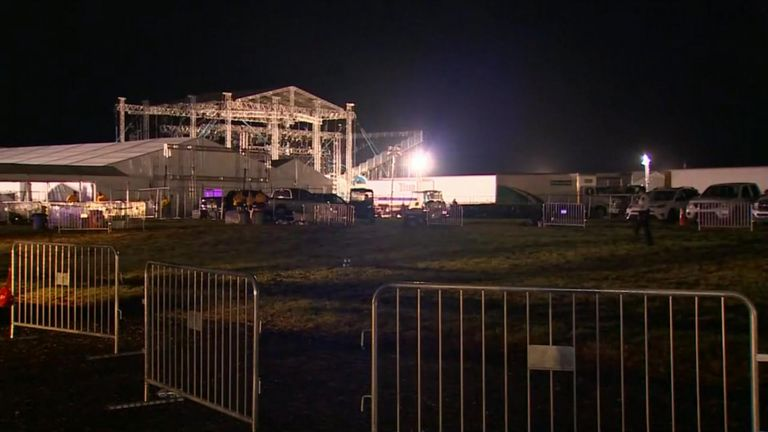 Fans were injured after an entrance collapsed in a storm at a Backstreet Boys concert in Oklahoma