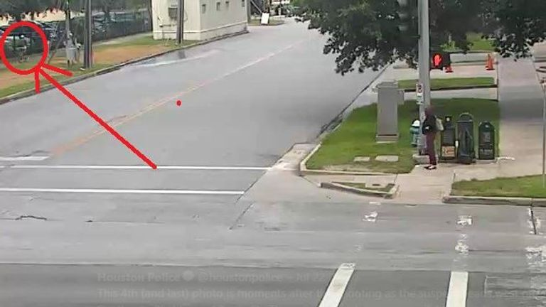 Houston Police highlighted the suspect in CCTV still from the day of the killing