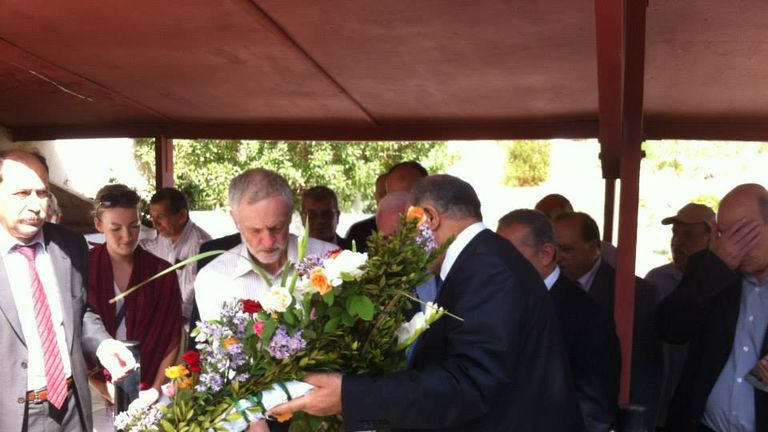 Jeremy Corbyn holds a wreath at the ceremony. Pic: Embassy of Palestine in Tunisia