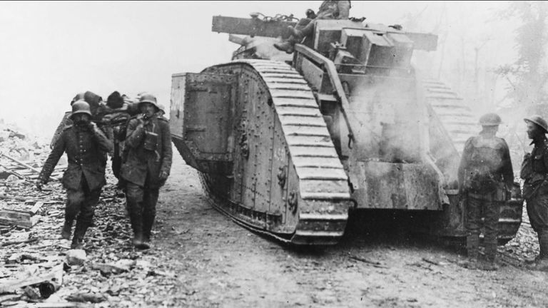 Archive footage of 1918 battle of Amiens