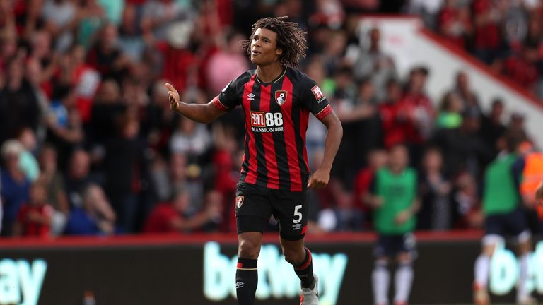 Bournemouth boss Howe warns Man Utd, Spurs off Ake