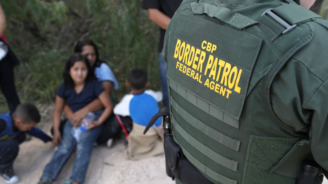 Border Patrol agent suspected of killing 4 women