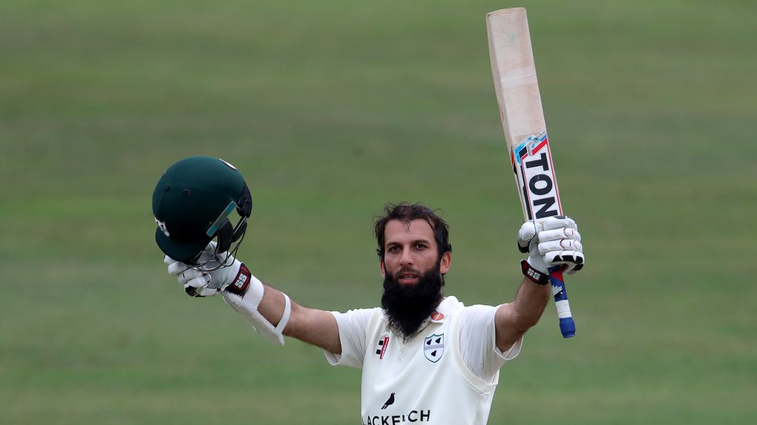SCARBOROUGH, ENGLAND - AUGUST 20: Worcestershire's Moeen Ali raises his bat  after reaching his century during day two of the Specsavers Championship Division One match between Yorkshire and Worcestershire at North Marine Road on August 20, 2018 in Scarborough, England. (Photo by Richard Sellers/Getty Images)**Moeen Ali **