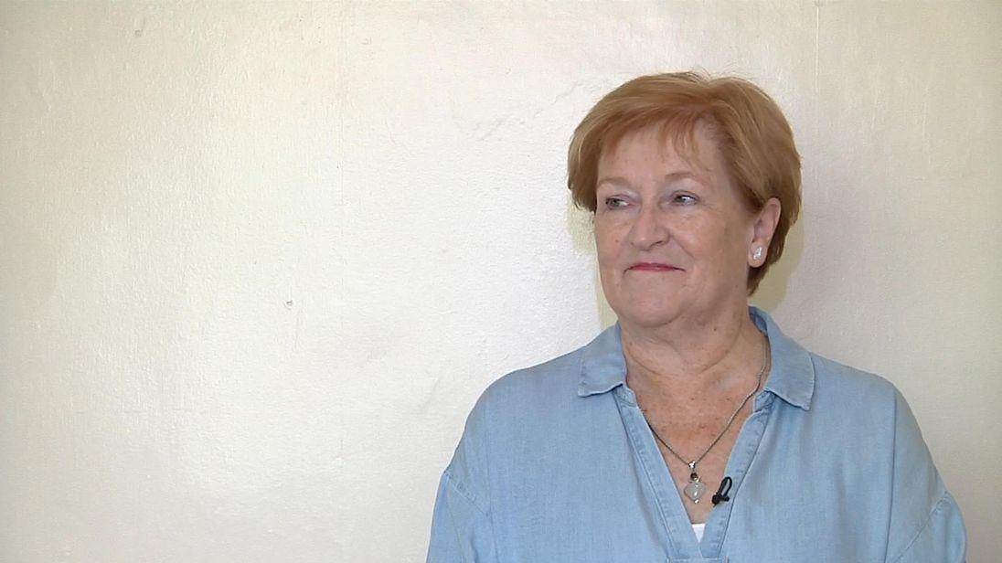 Sally Deller gives up social media for scroll-free september - sky rushes