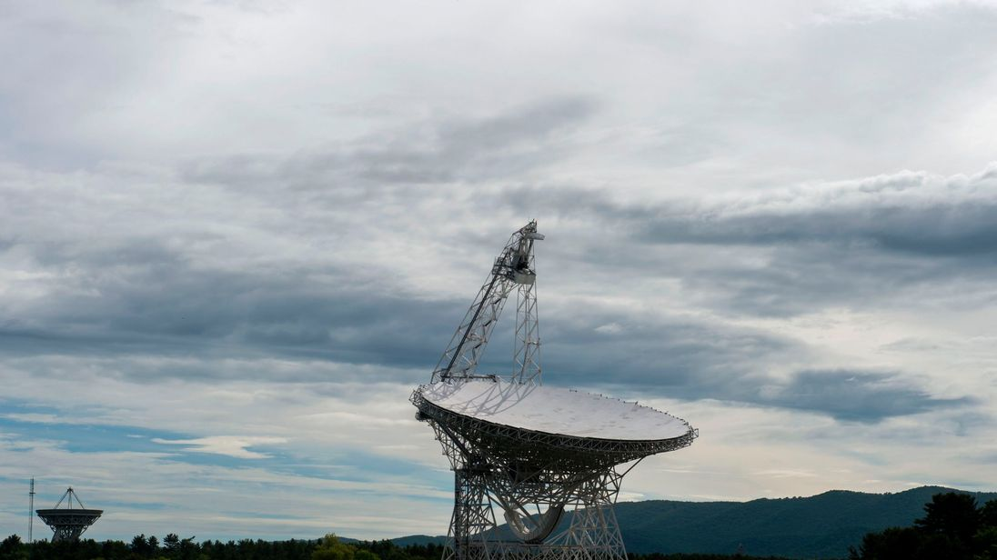 The Green Bank Telescope is seen in Green Bank, West Virginia on May 29, 2018. - Green Bank is part of the US Radio Quiet Zone, where wireless telecommunications signals are banned to prevent transmissions interfering with a number of radio telescopes in the area. The largest steerable telescope in the world, the Green Bank Telescope, enables scientists to listen to low-level signals from different places in the universe. (Photo by ANDREW CABALLERO-REYNOLDS / AFP) (Photo credit should read ANDRE