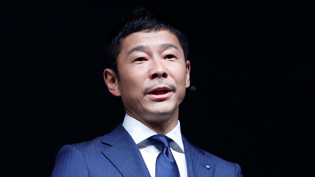 Japanese Billionaire Will Be the First Private Passenger of SpaceX's Falcon Rocket