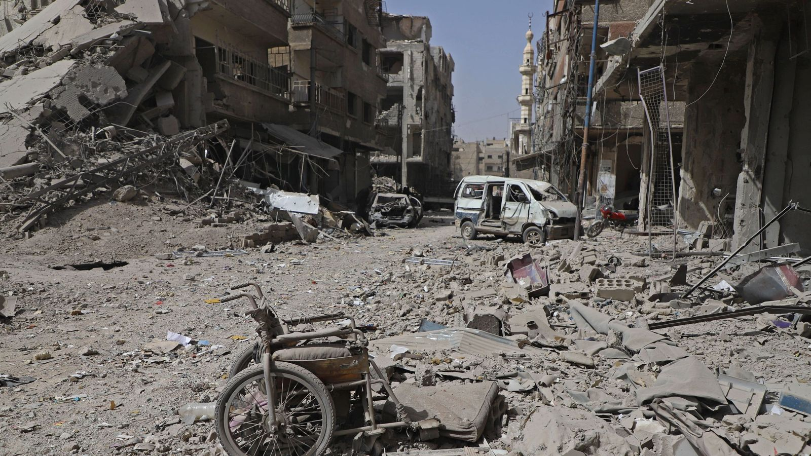 Syria war: Corpses left rotting under rubble in pro-regime attacks on Ghouta, says report