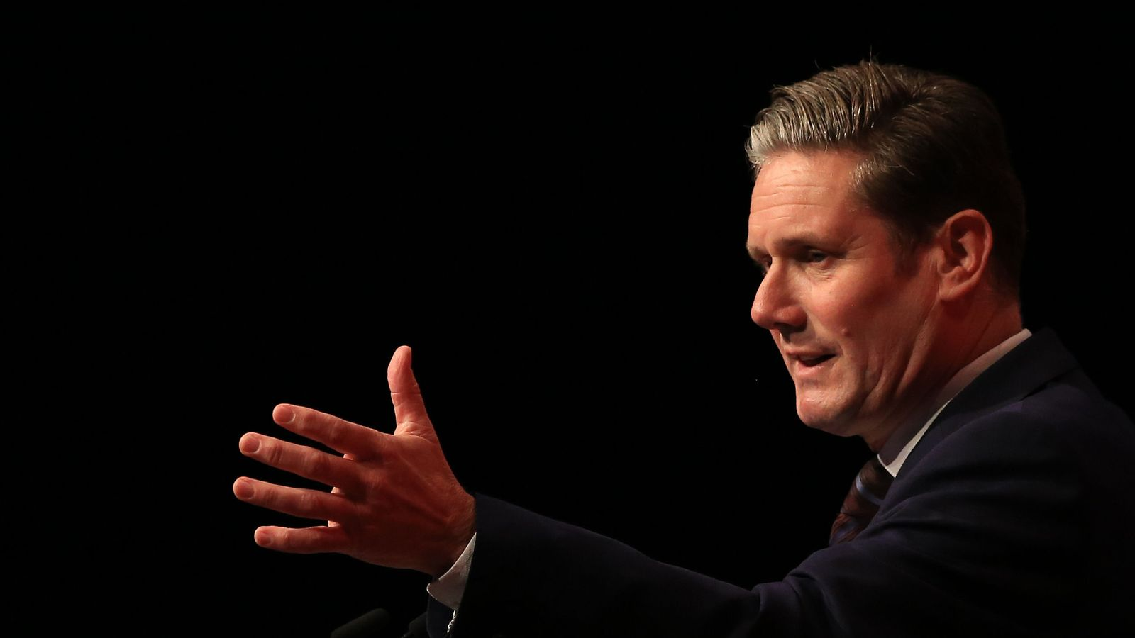 Labour conference: Sir Keir Starmer insists 'nobody is ruling out Remain as an option'