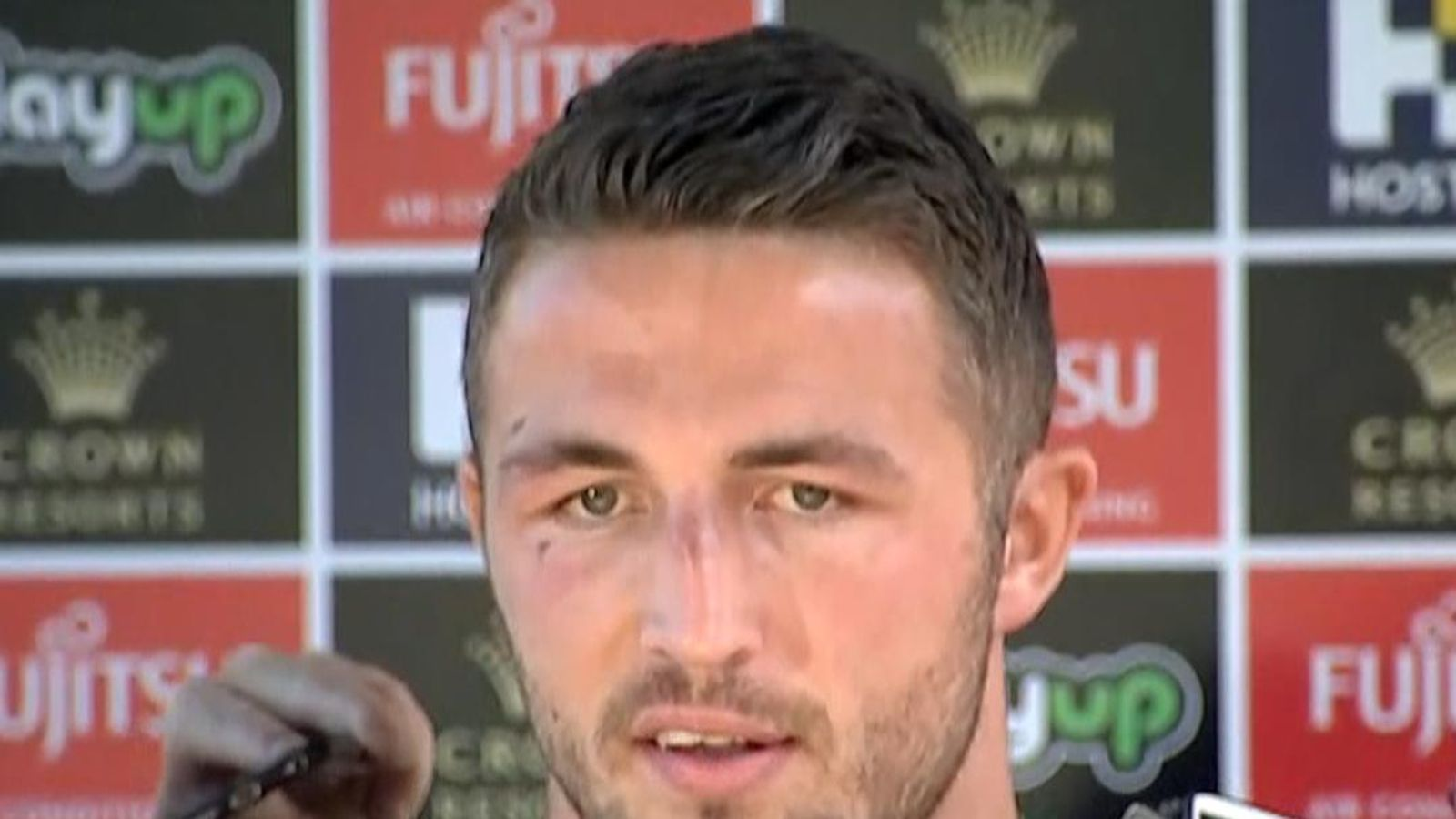burgess chat Burgess is regarded as one of the elite rugby league players in the world and was hailed a club legend after playing a leading hand in the rabbitohs' premiership triumph in 2014.