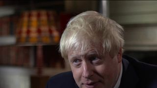 boris johnson refuses toa pologise for burka comments
