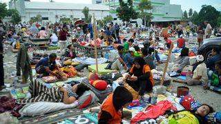 Hundreds killed by tsunami